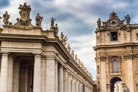 saint peter: Saint Peter Square in Vatican City: architecture details