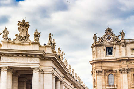 saint peter: Saint Peter Square in Vatican City: architecture details