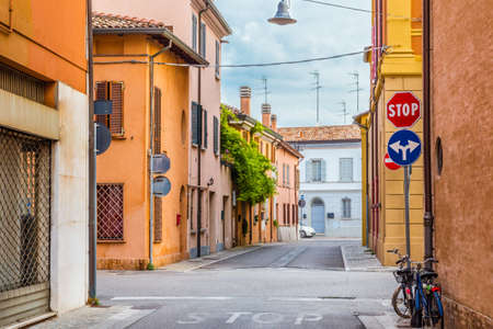 emilia romagna: Historical buildings and bicycles in lane of people-oriented and friendly country town  in Emilia Romagna in Italy