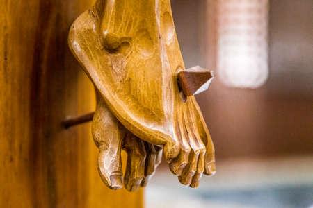 viernes santo: La celebraci�n del Viernes Santo, los pies de Jesucristo clavado en la Santa Cruz