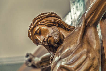 Celebrating the Good Friday, the face of Jesus Christ with crown of thorns dead on the cross Stockfoto