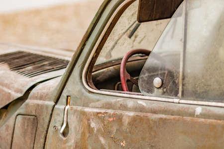 ferraille: la ferraille de l'italien voiture historique Banque d'images