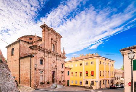 oratoria: museo de arte sacro en el Oratorio de San José, en un pueblo medieval en Italia