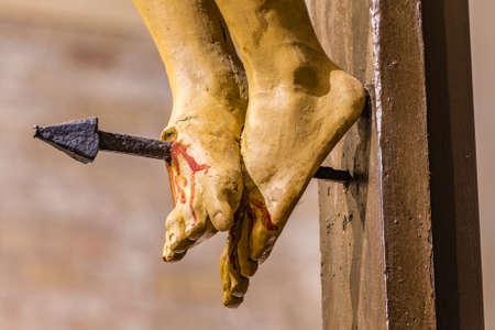 """Résultat de recherche d'images pour """"jesus feet cross"""""""