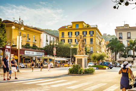 SORRENTO (NA), ITALY - SEPTEMBER 4, 2018: tourists having fun and enjoying shopping in historical center of Sorrento Éditoriale