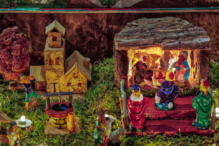 LONGIANO (FC),ITALY - DECEMBER 29, 2017: lights are enlightening artistic Christmas crib in the 27th edition of the Nativity Scenes Exhibition Banque d'images - 115509078