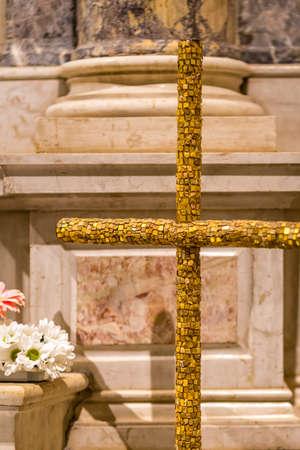 RAVENNA, ITALY - MAY 2, 2019: light is enlightening mosaic Cross in the Basilica of Saint Francis 写真素材