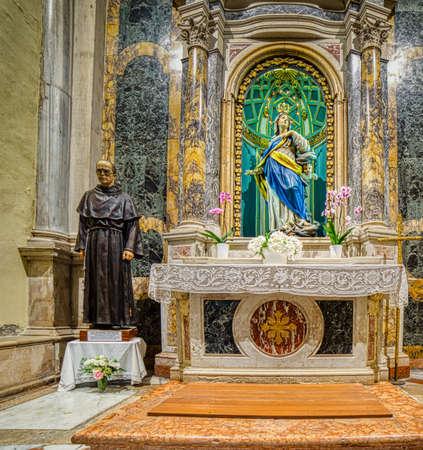 RAVENNA, ITALY - JUNE 19,2019: light is enlightening the Basilica of San Francesco where the funeral of Dante Alighieri was held 版權商用圖片 - 140842713