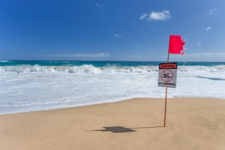 Warning no swimming sign, Sandy beach, Oahu, Hawaii