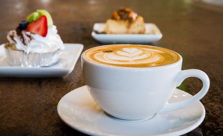 Hot capuccino en cake