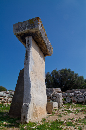 Taula talaiotica a megalithic construction of the prehistoric talaiotic culture from Menorca, balearic islands, Spain Stock Photo