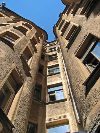 habitual: A common courtyard (draw-well court) in Saint-Petersburg