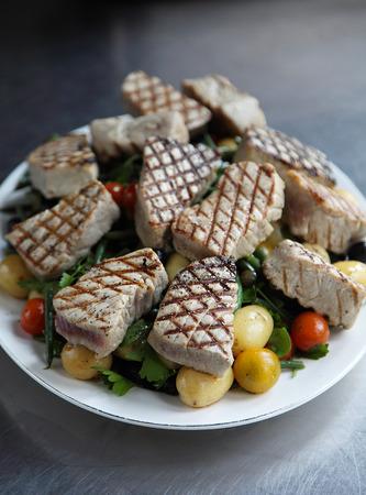 seared: Seared tuna salad Stock Photo