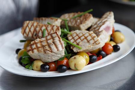 tuna salad: Seared tuna salad Stock Photo