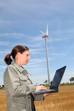 agronomist: Agronomist in wheat field