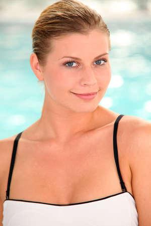 thalasso: Beautiful woman sitting in swimsuit in spa resort