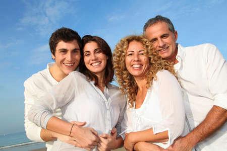 complicit�: Groupe d'amis s'amuser ?a plage