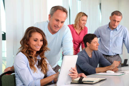 formacion empresarial: Trabajadores de oficina en un curso de formaci�n Foto de archivo