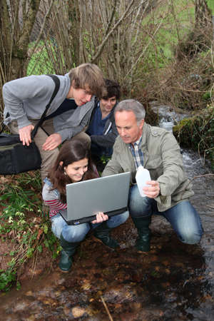 apprentice: Teenagers in environmental professional training  Stock Photo