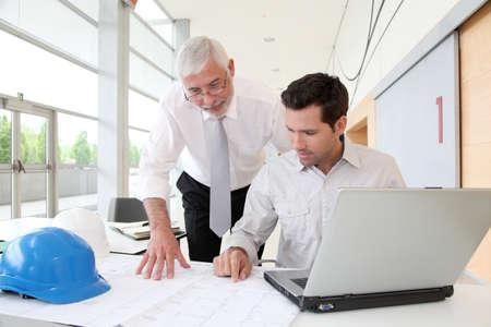 Architekten arbeiten an Planung