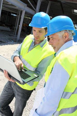btp: Engineers meeting on building site