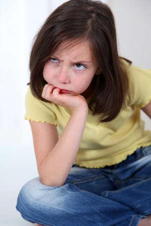 molesto: Portrait of grouchy little girl