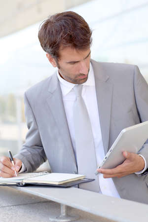 pda: Businessman on business travel