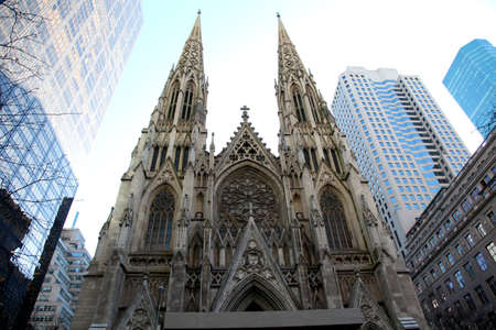 fifth: Saint Patricks cathedral on the Fifth Avenue - New York City