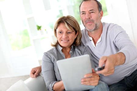 pareja de esposos: Superior de la elecci�n de pareja se cas� pel�cula en la TV