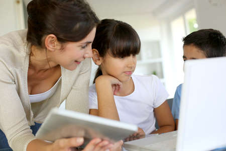 latin child: Education and new technologies at school