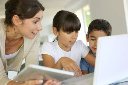 electronic tablet: Education and new technologies at school