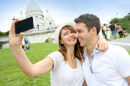 coeur: Liefhebbers nemen foto van zichzelf in de voorkant van de Sacre Coeur