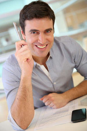 35 years old: Businessman having a wonderful idea