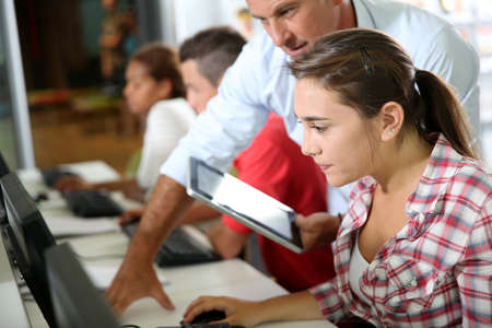 classroom teacher: Istruttore in corso di formazione con gli studenti