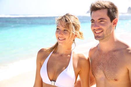 guadeloupe: Young couple enjoying paradisiacal beach