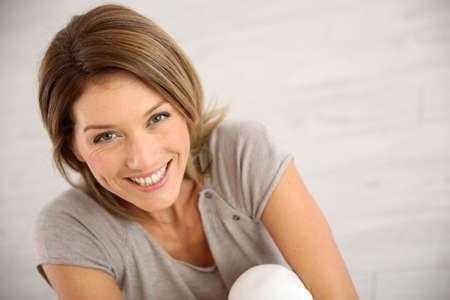 笑顔の中年女性の肖像画 写真素材