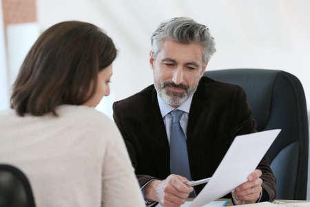 Advocaat vergadering opdrachtgever in het kantoor Stockfoto