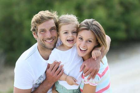 Portrait de famille heureuse amuser ensemble
