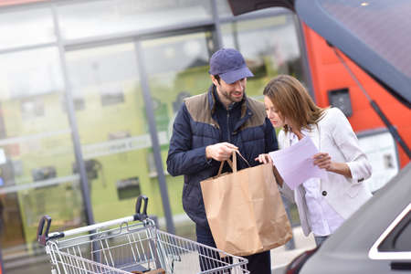 e store: Take away service from grocery store Stock Photo