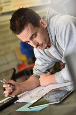 instrucciones: metal�rgico en las instrucciones de lectura taller