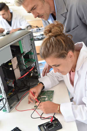processing: Student and teacher in electrical engineering course