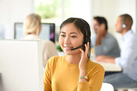 customer service: Customer service assistant working in office