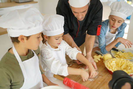 6 9 years: Pastry class with kids little chefs