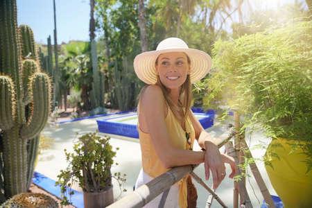 Smiling woman in Majorelle Gardens Morocco Stockfoto