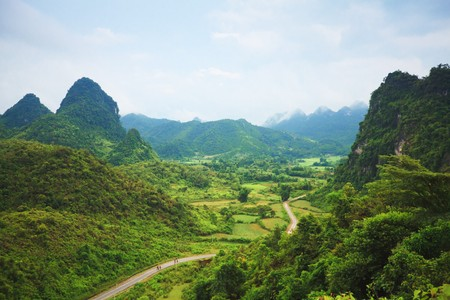 Montagne belle vallée. Province de CAO Banhg. Nord du Viêt Nam.