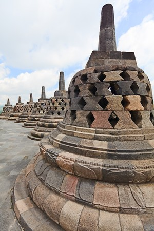 stupas: Stupas al tempio di Borobudur. Java centrale. Indonesia  Archivio Fotografico