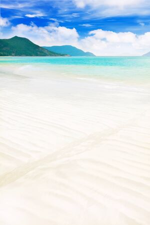 con dao: Beautiful seascape. Sandy beach at summer day
