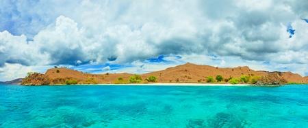 Panorama Red Beach (Pantai Merah). Komodo park