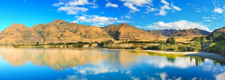 Lake Wanaka at summer sunny day Banco de Imagens