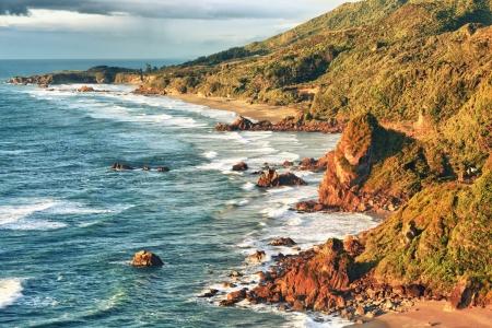 Kust mening van de Tasman zee